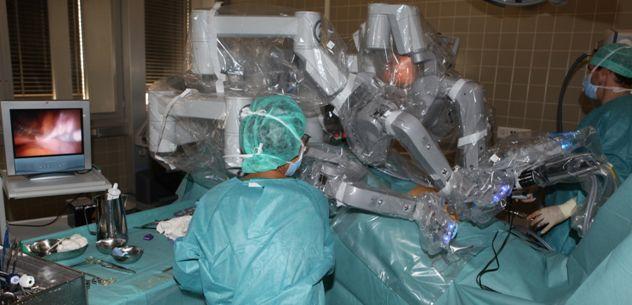 Prof. - Daniel Fink - UniversitätsSpital Zurich - salle d'opération