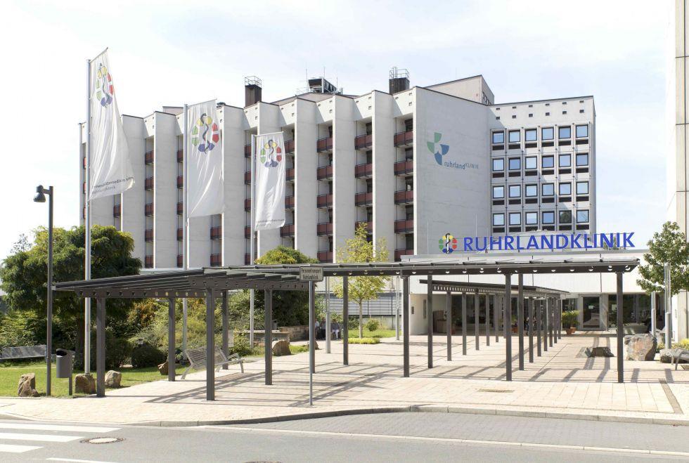 Prof - Clemens Aigner - Université de médecine d'Essen – Clinique de la Ruhr, Centre ouest-allemand des maladies pulmonaires (Universitätsmedizin Essen – Ruhrlandklinik, Westdeutsches Lungenzentrum)