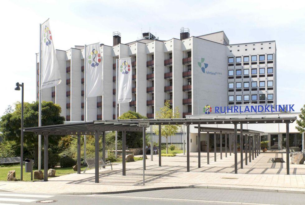 Prof. - Helmut Teschler - Université de médecine d'Essen – Clinique de la Ruhr, Centre ouest-allemand des maladies pulmonaires (Universitätsmedizin Essen – Ruhrlandklinik, Westdeutsches Lungenzentrum)
